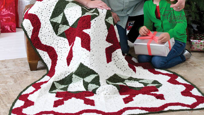 Crochet Christmas Wreath Throw Pattern