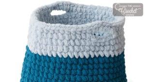 Crochet Basket with Bernat Blanket Extra
