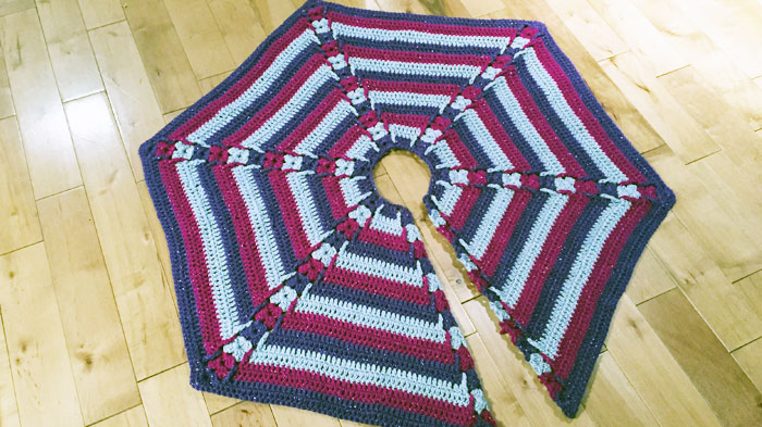 Hexagon Tree Skirt by MIkey of The Crochet Crowd