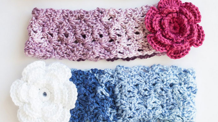 Crochet Tutorial Headband : Crochet Cozy Posy Headband + Tutorial - The Crochet Crowd