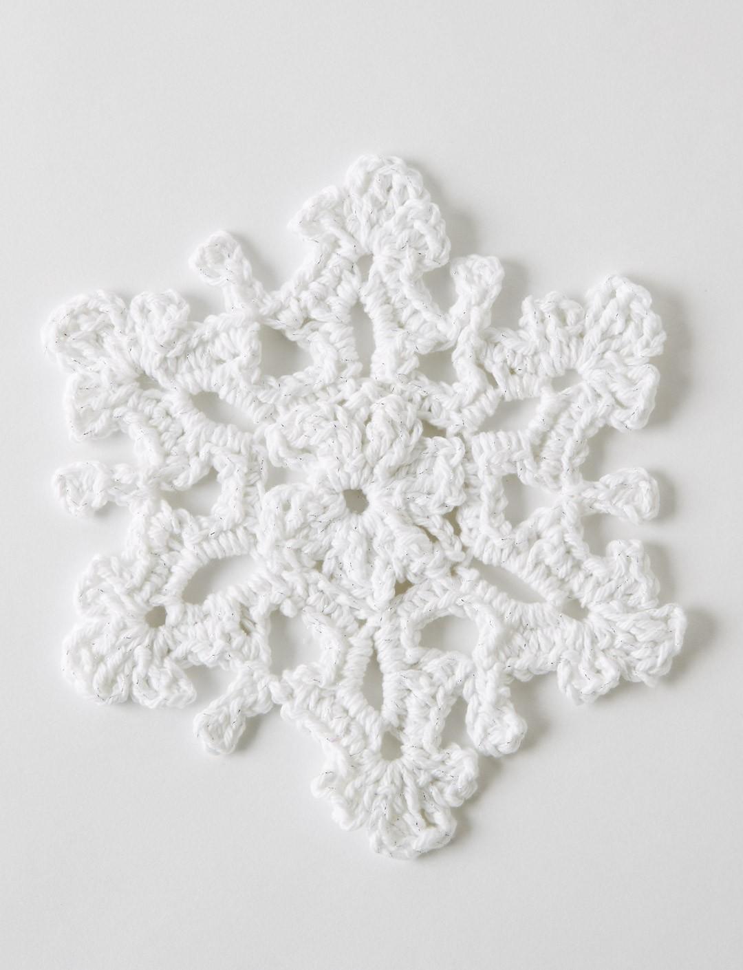 Crochet Twinkling Snowflake #1 + Tutorial - The Crochet Crowd