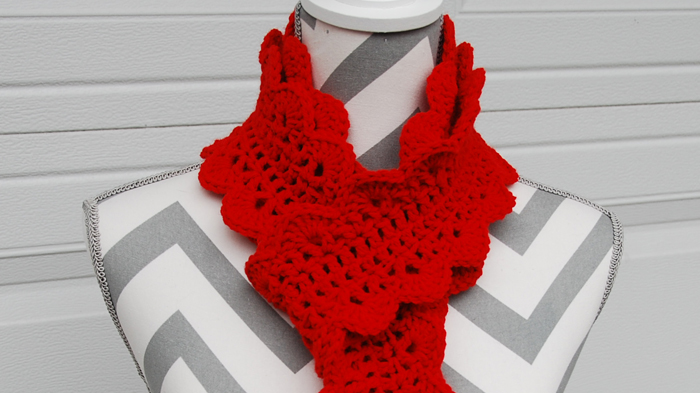 Festive Scalloped Scarf Pattern The Crochet Crowd