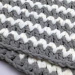 Trendy Crochet Baby Blanket + Tutorial