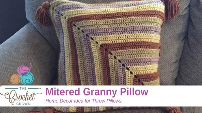 Crochet Mitered Pillow Tutorial The Crochet Crowd