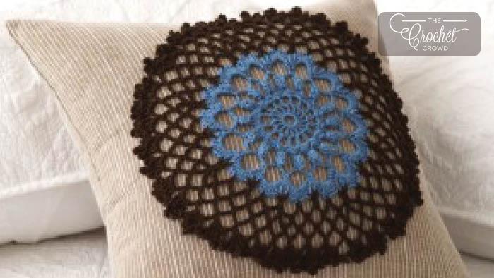 Crochet Doily Pillow Motif + Tutorial