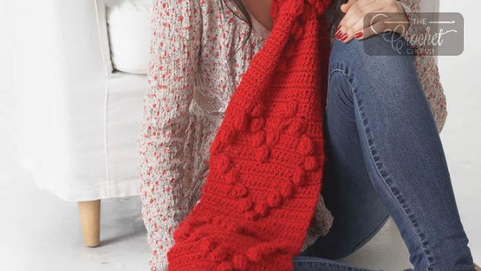 Crochet Valentine Heart Scarf + Tutorial | The Crochet Crowd