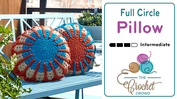 Full Circle Crochet Pillow + Tutorial