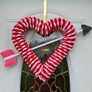 24 Valentine's Day Wreath