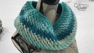 Crochet Reversible Cowl by Daniel Zondervan