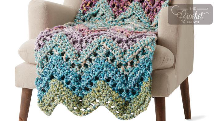 Crochet Peaks Blanket + Tutorial | The Crochet Crowd