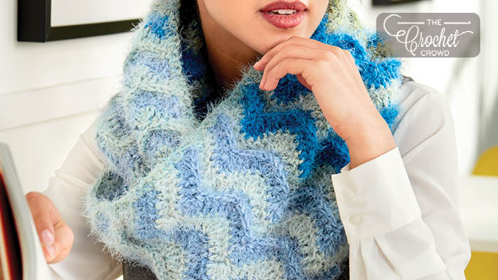 Crochet Ripple Effect Cowl