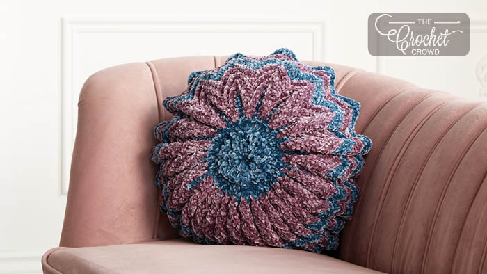 Phenomenal Crushed Velvet Archives The Crochet Crowd Squirreltailoven Fun Painted Chair Ideas Images Squirreltailovenorg