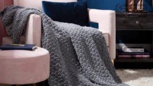 Finger Knitting Seed Stitch Blanket