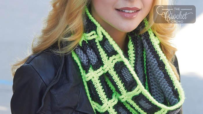 Crochet Gridline Cowl Pattern