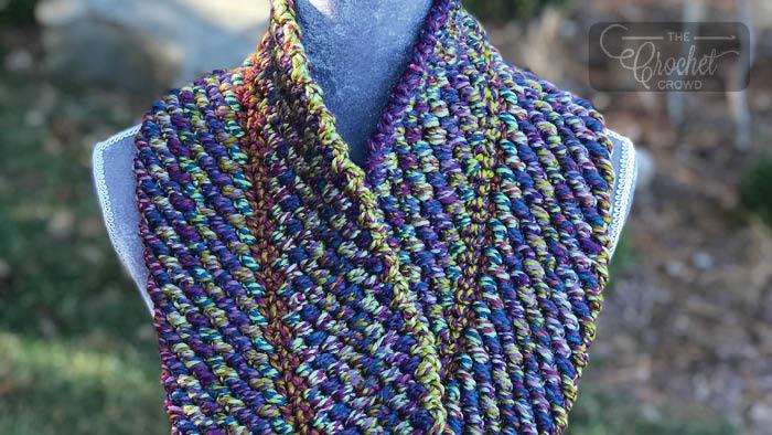 Crochet Reversible Cowl Pattern