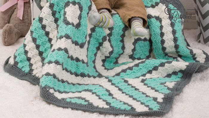 Crochet Baby Diamonds Blanket Pattern