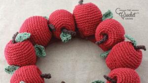 Crochet Apple Wreath