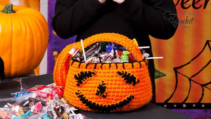 Crochet Treat Bag with Handle