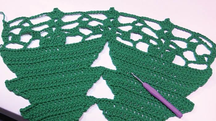 Christmas Tree Skirt Stitchwork