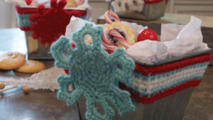 Crochet Tin Wrapped Displays