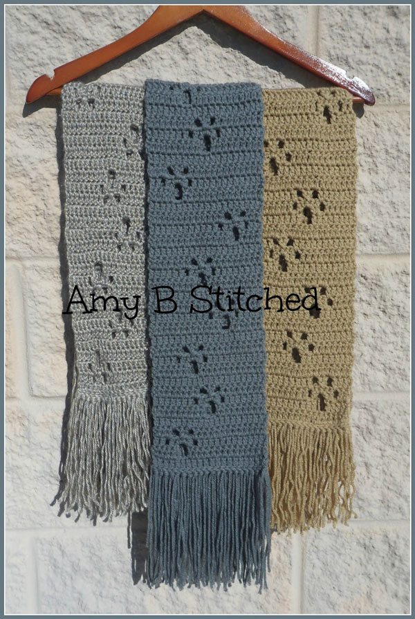 Meandering Paw Prints Free Scarf