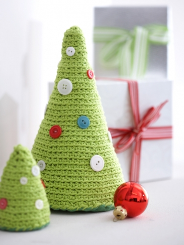 Button Crochet Christmas Trees Pattern