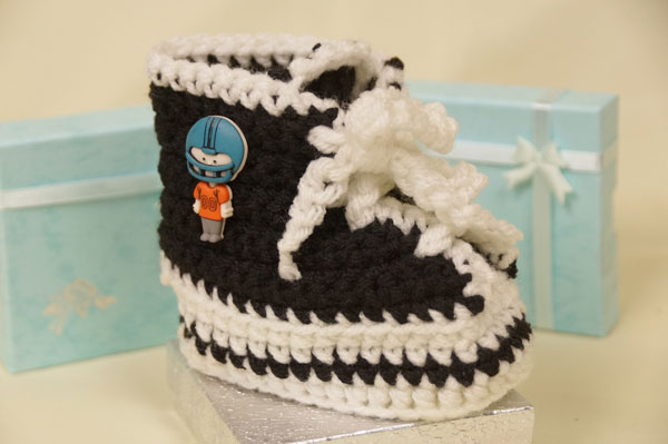 Free Crochet Baby High Tops Pattern : Crochet Patterns Baby Booties High Tops images